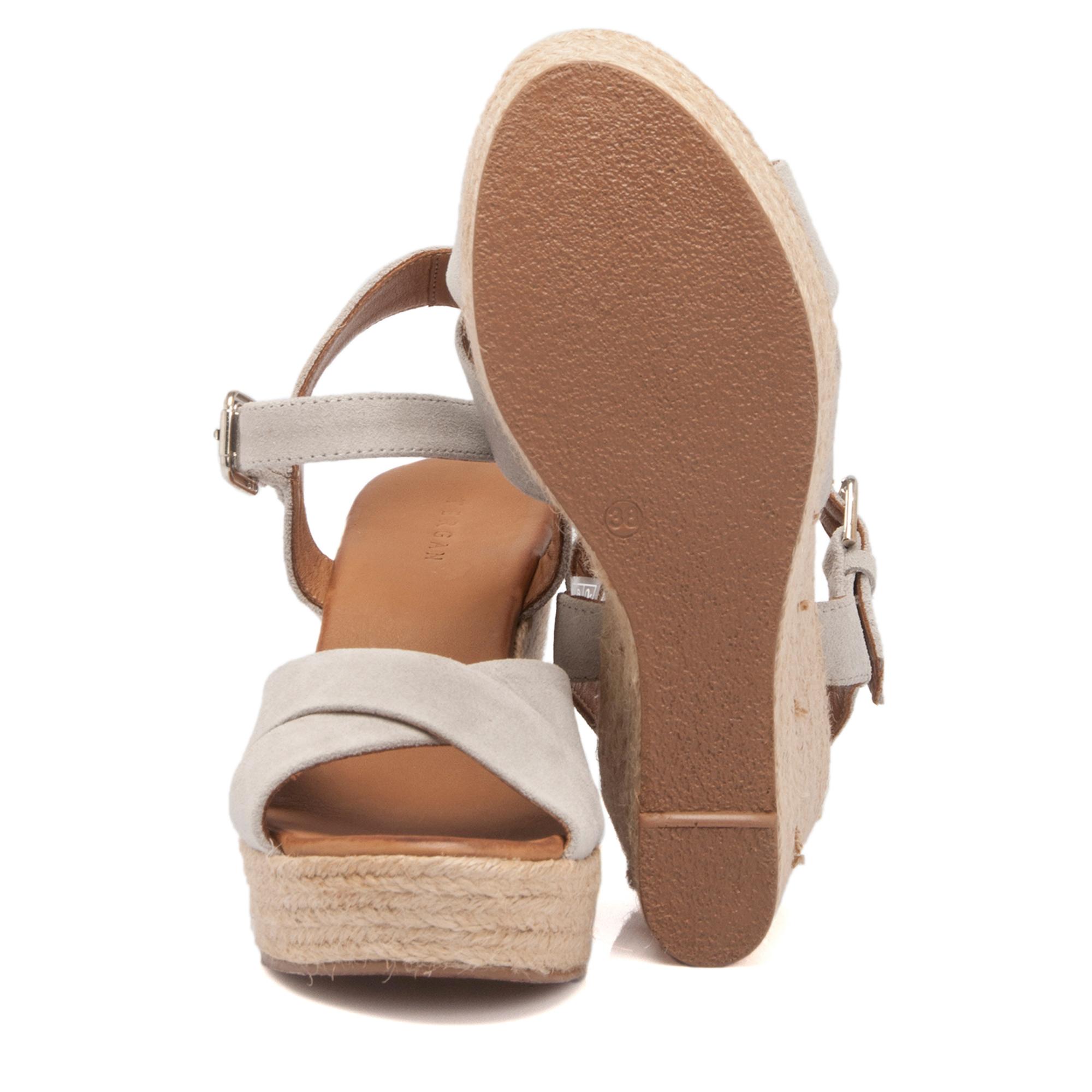 Gri Deri Kadın Sandalet 63892C11