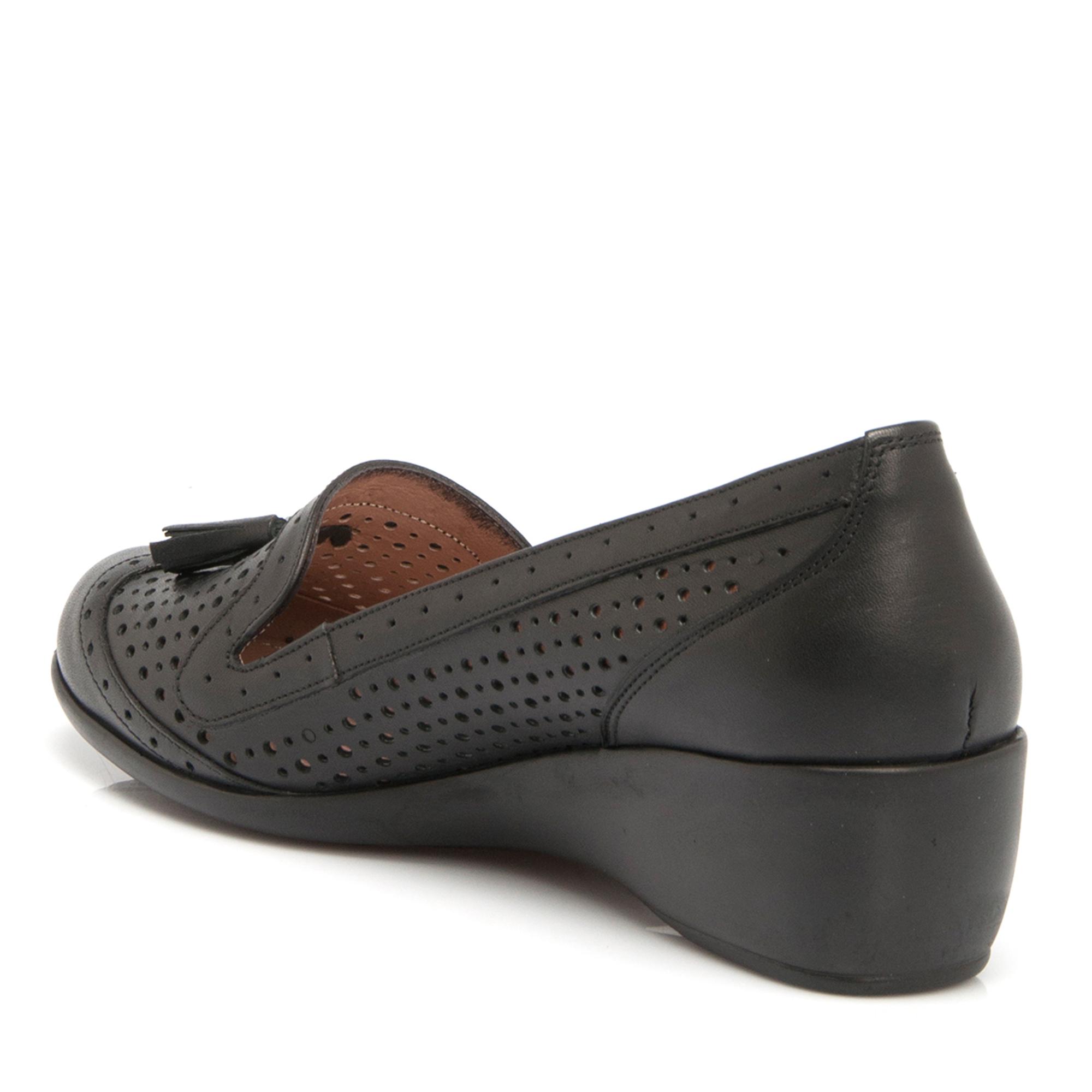 Siyah Deri Kadın Ayakkabı 64202A23